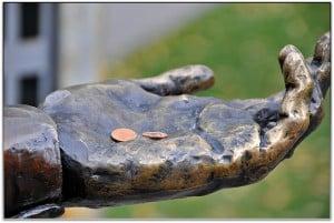 warren buffett investment tips